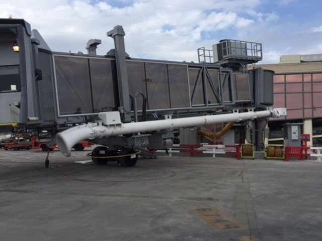 Recogedor de mangueras de aire acondicionado aeronave